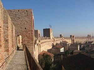 O Grande Muro, Toda cidade medieval tem um
