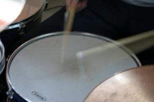 Que-rufem-os-tambores