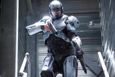 robocop-joel-kinnaman-old-suit